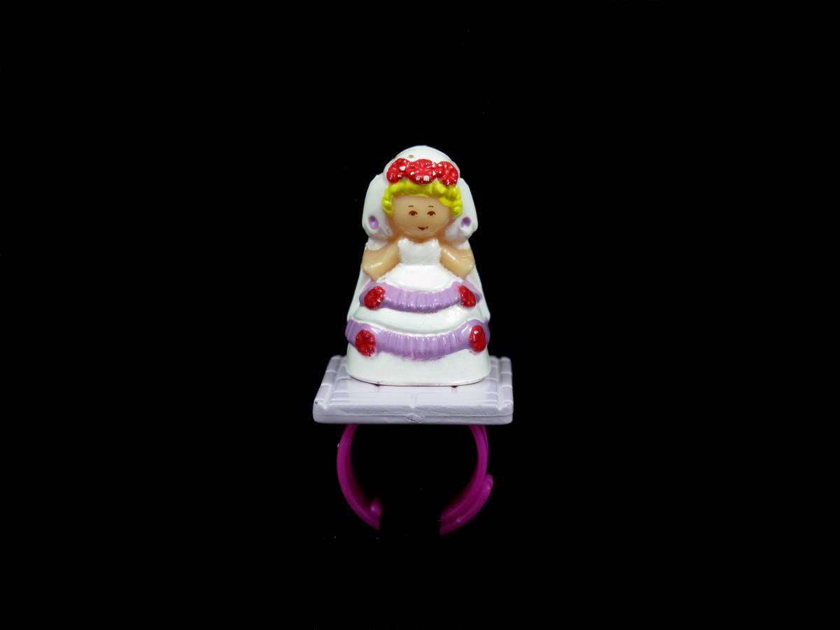 Polly Plays bride ring Polly Pocket