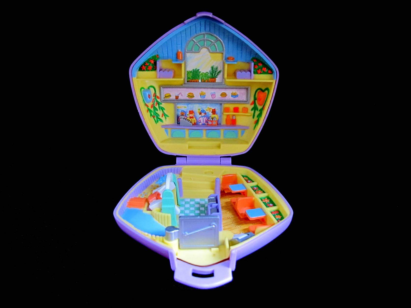 1992 Polly Pocket Fastfood Restaurant open