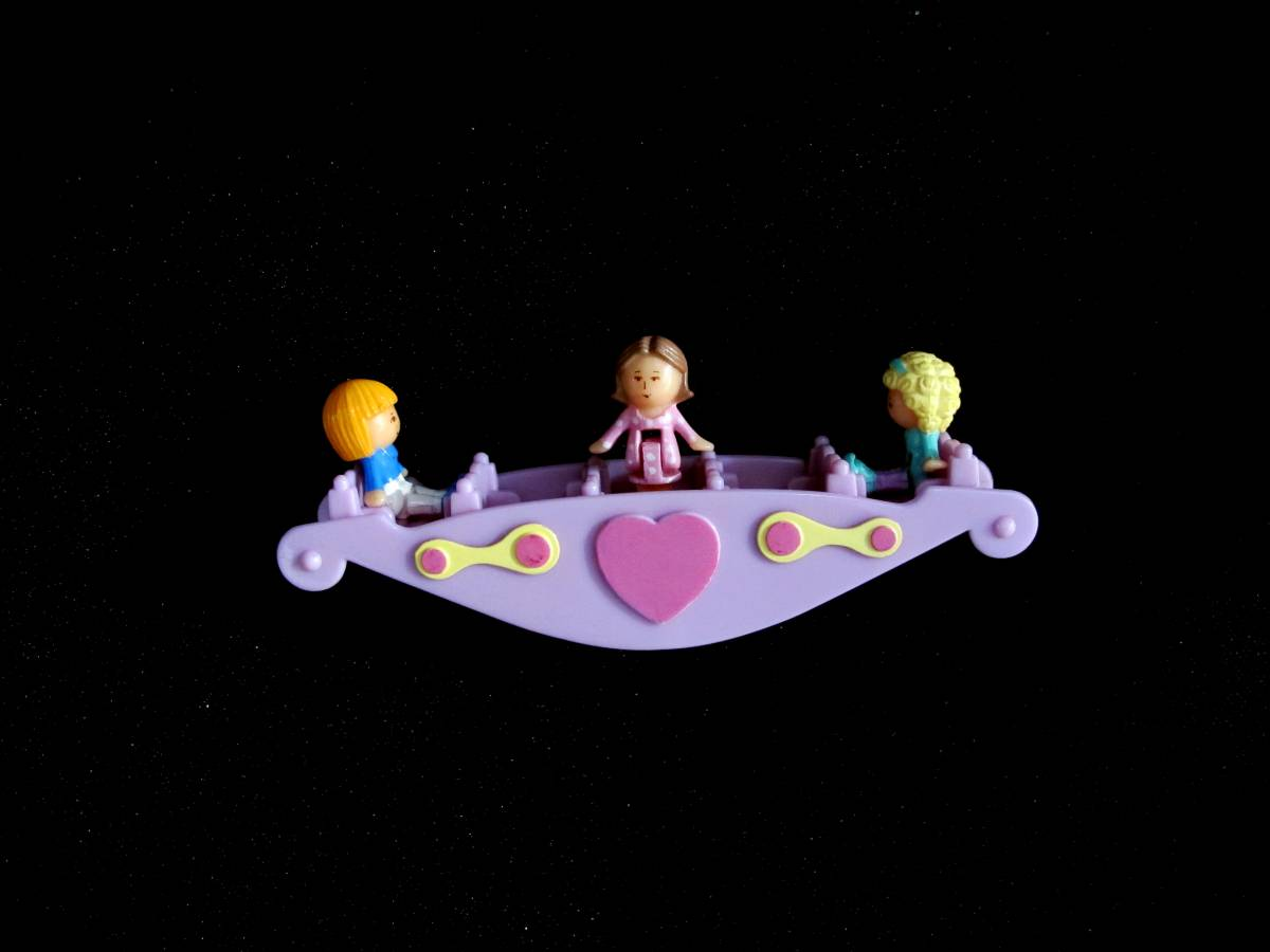 Teeter totter pals polly pocket