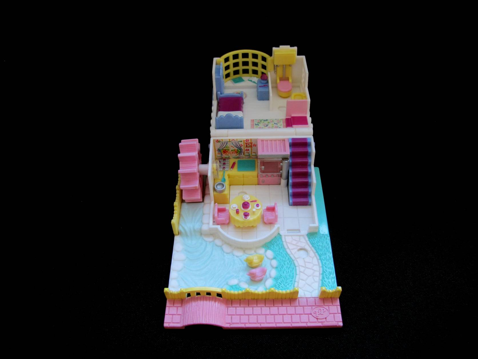 1994 Polly Pocket Grandmas Cottage 2