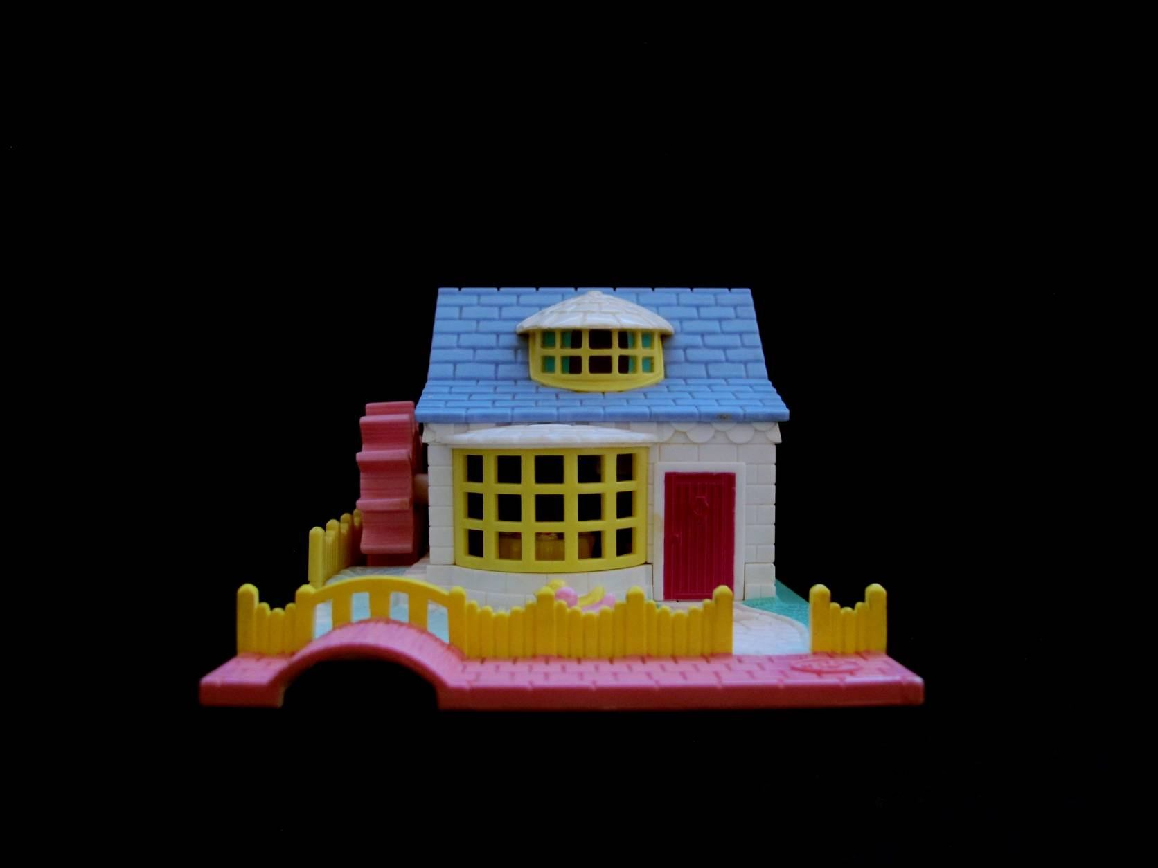 1994 Polly Pocket Grandmas Cottage