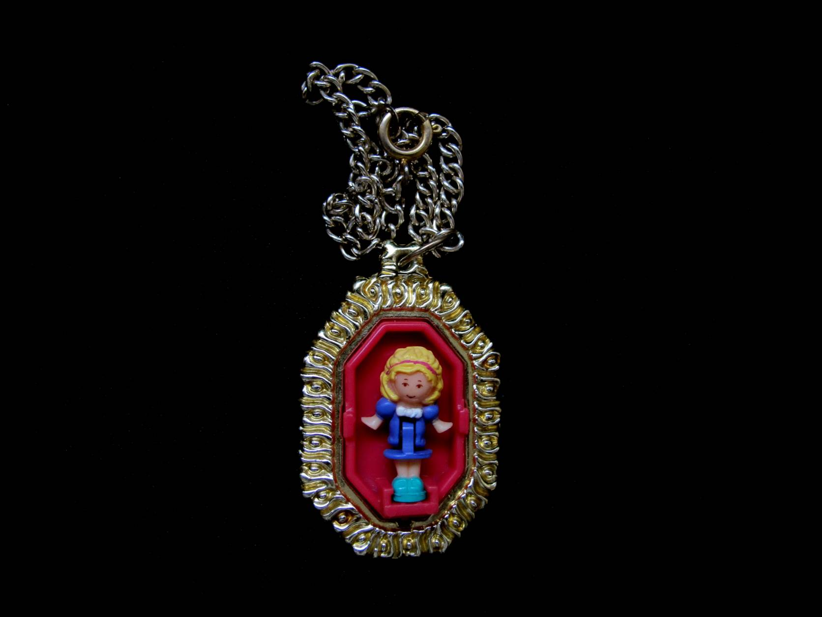 Polly Pocket Pretty Polly Locket