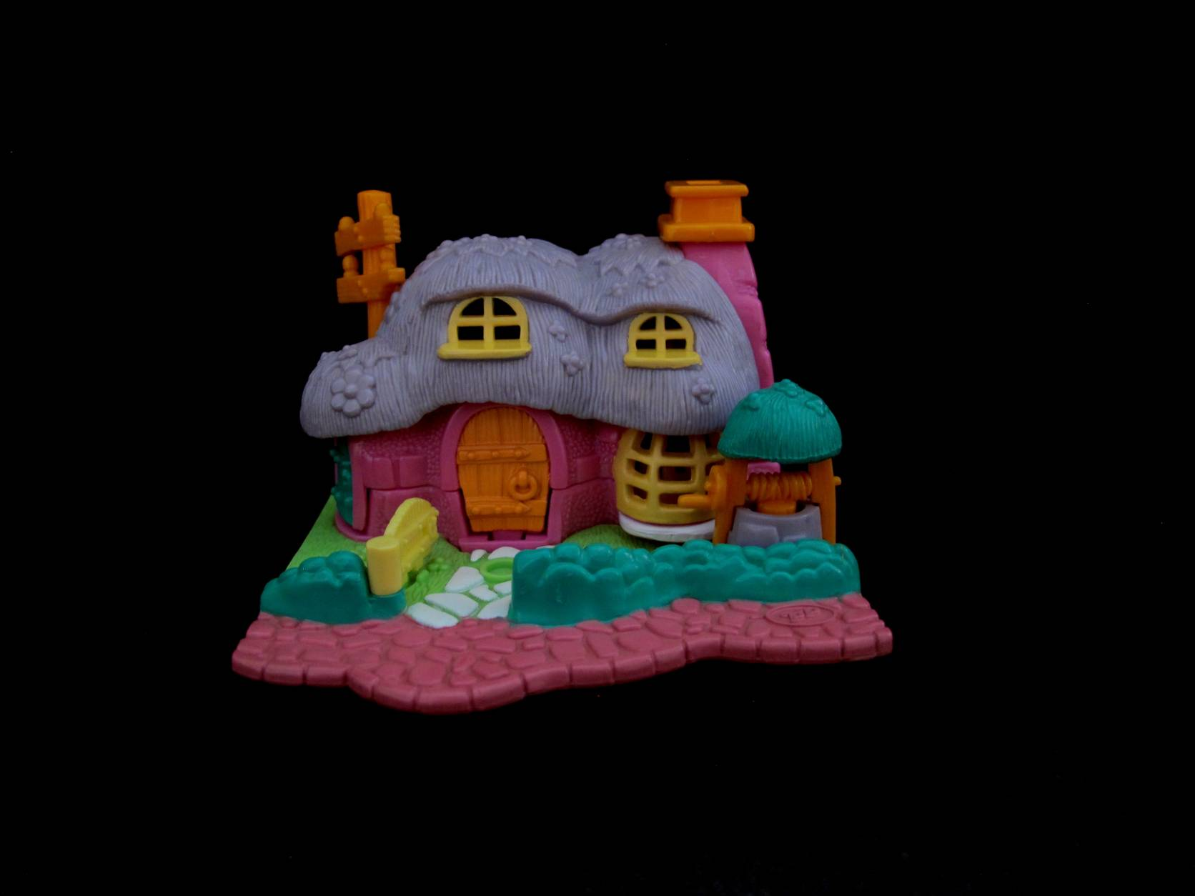 Polly Pocket Rabbit House