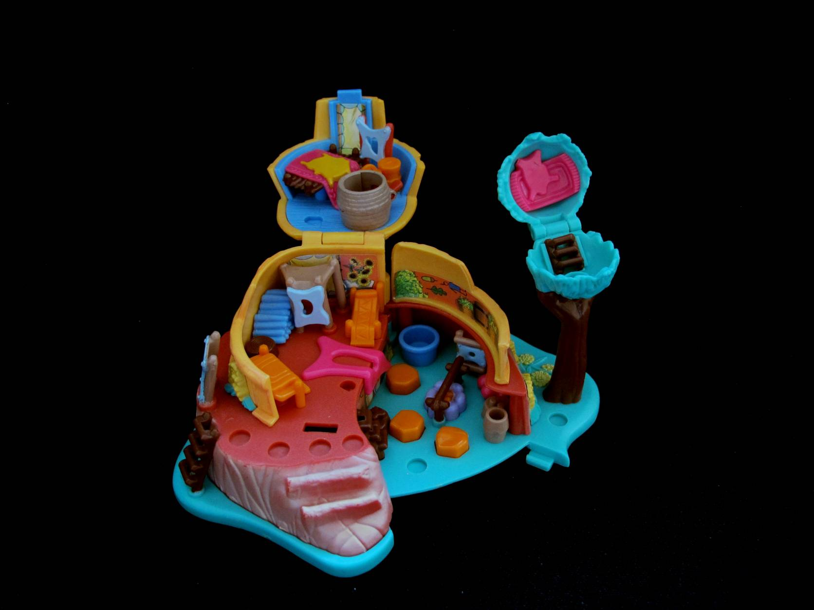 1995 Disney Pocahontas Polly Pocket Powhatan home (2)