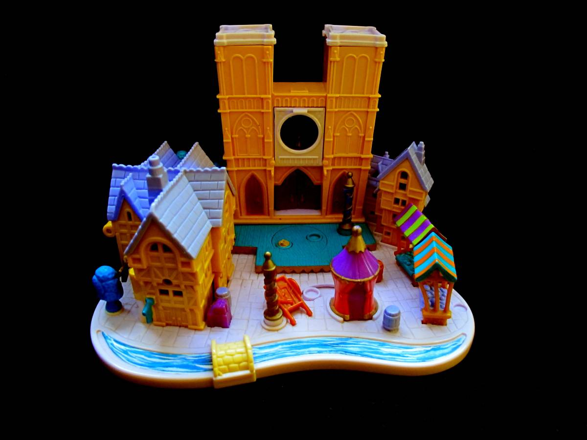 Polly Pocket Hunchback of the Notre Dame playset