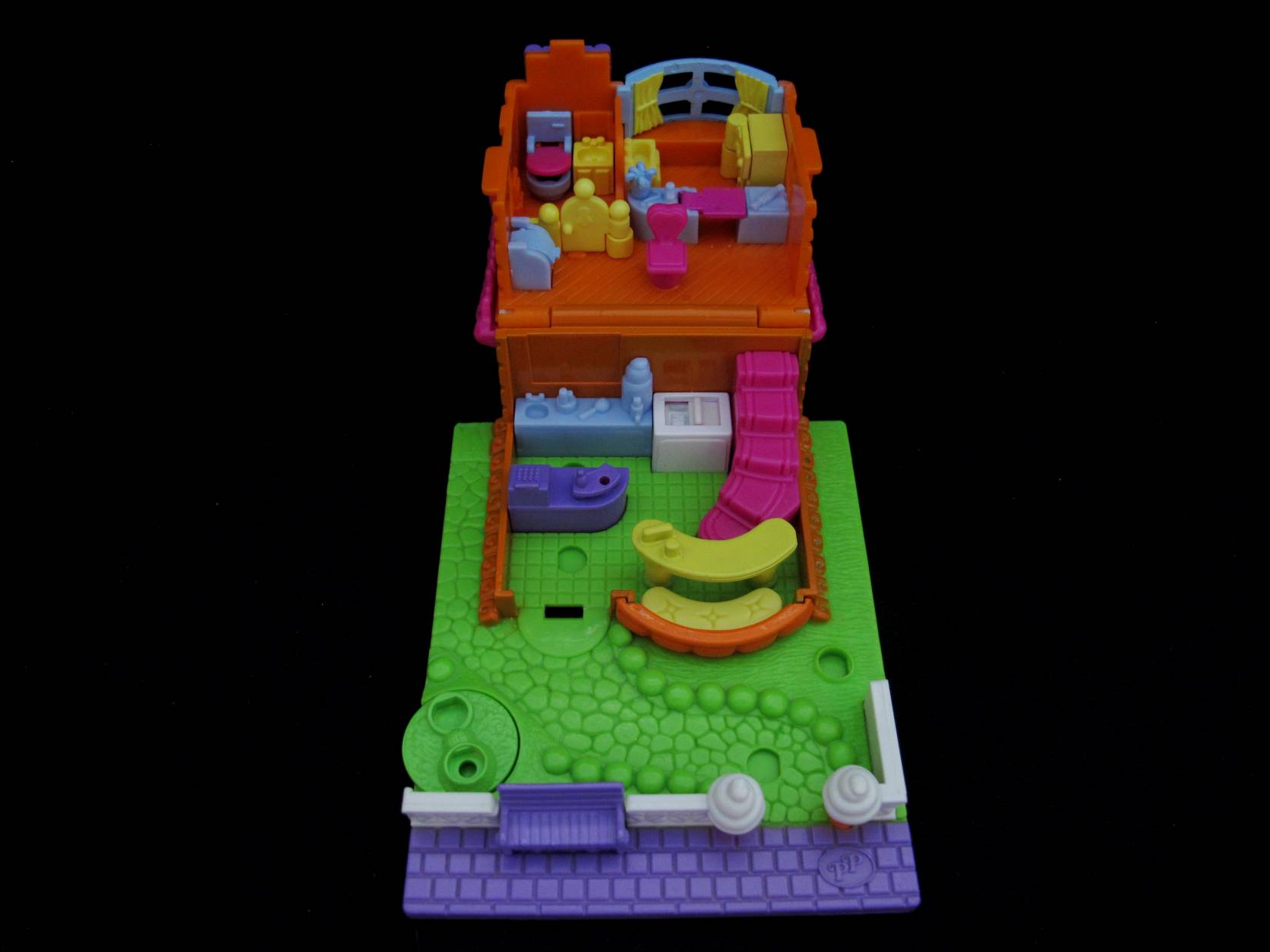 2006 Ice Cream Parlor Polly Pocket (2)