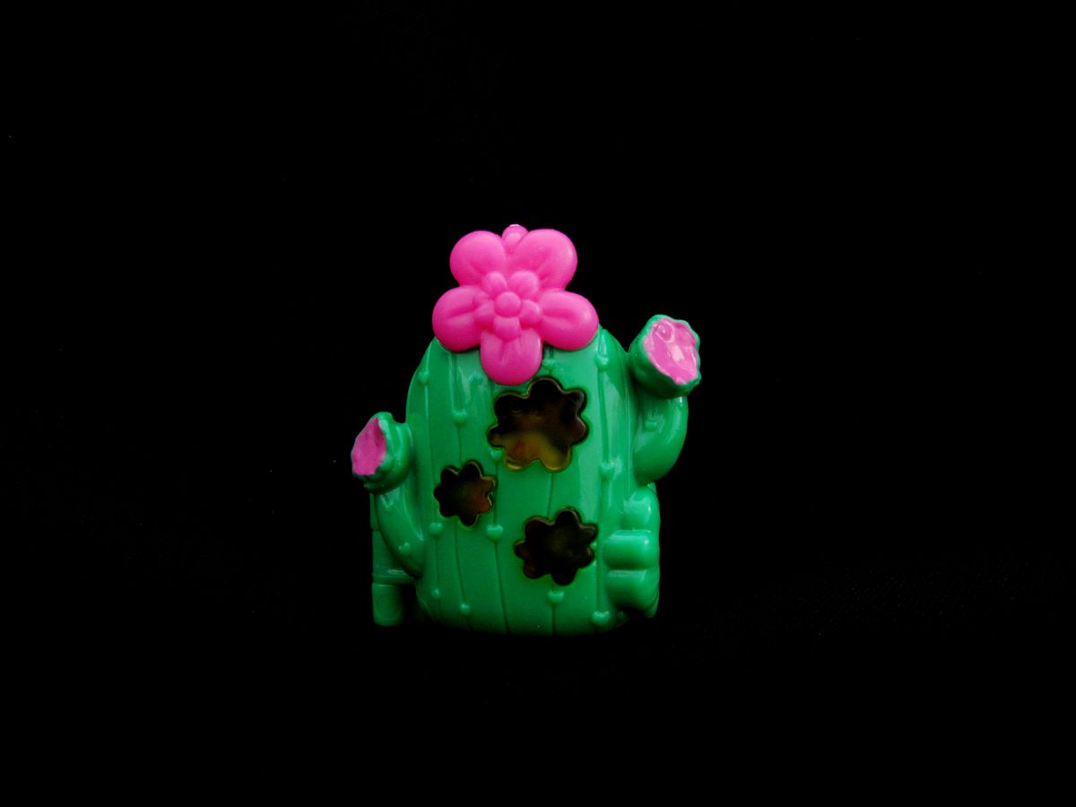 Polly Pocket Tiny Takeaway Cactus Ring Kelly green