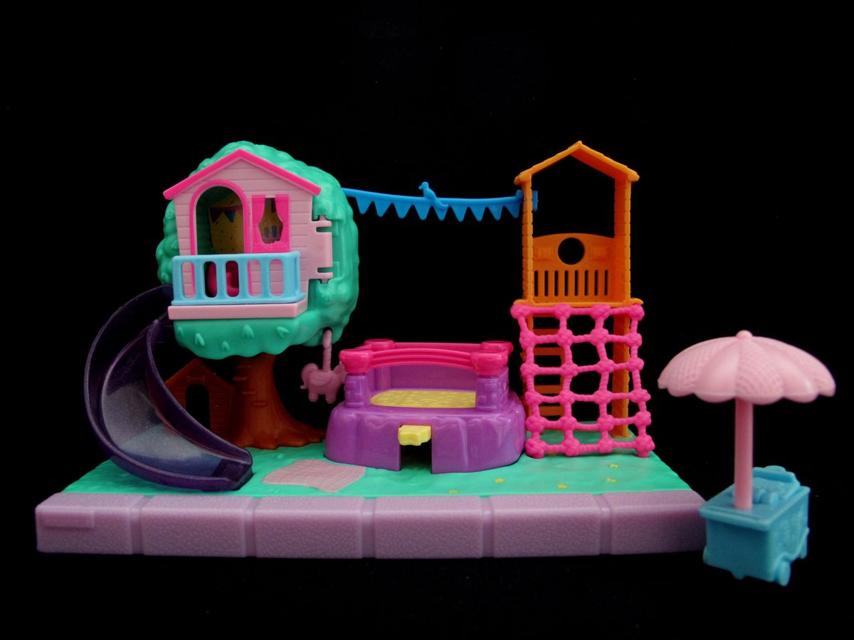 Polly Pocket Playground Adventure