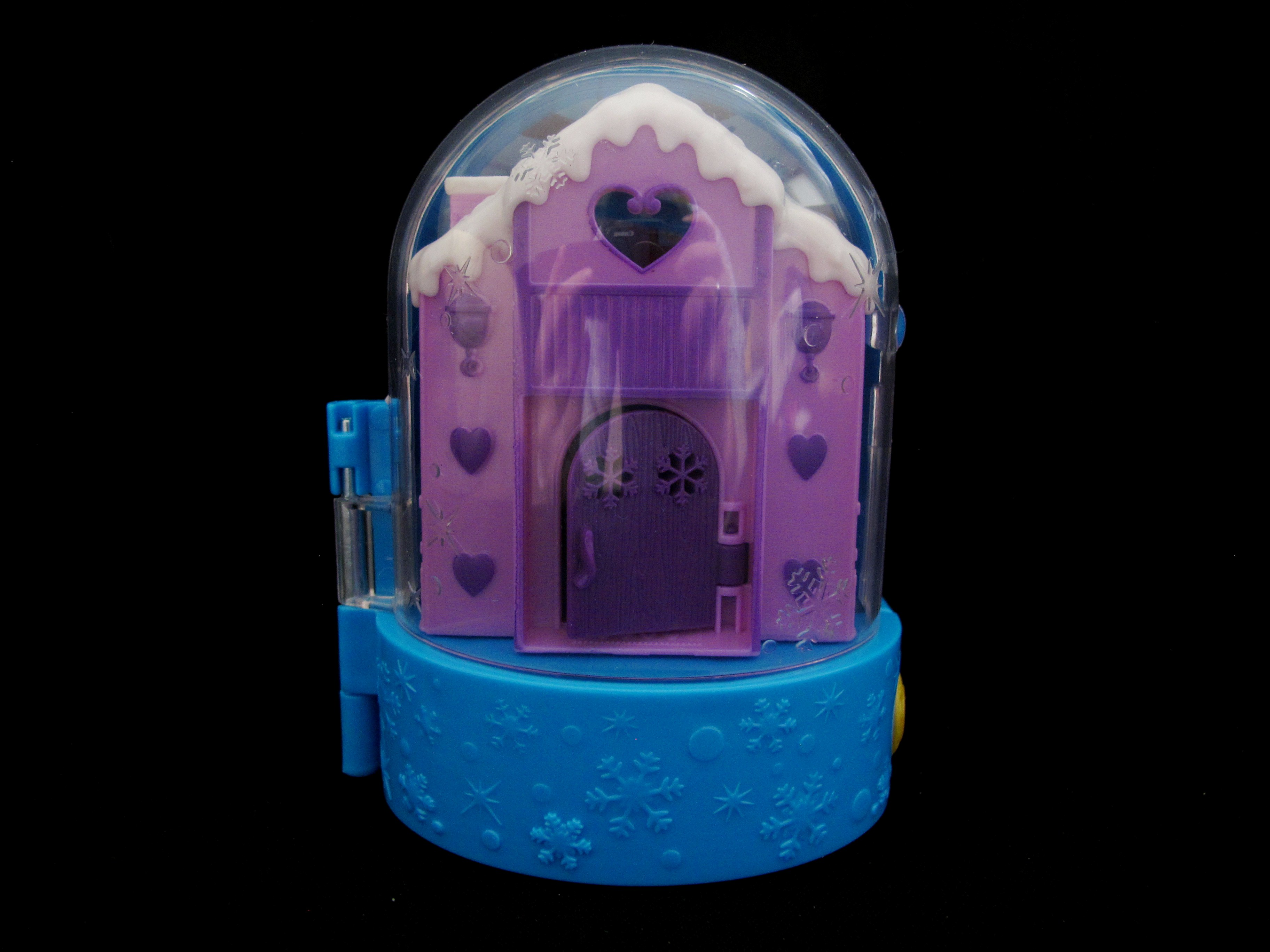 2017 Snowball Surprise  Polly Pocket (3).jpg